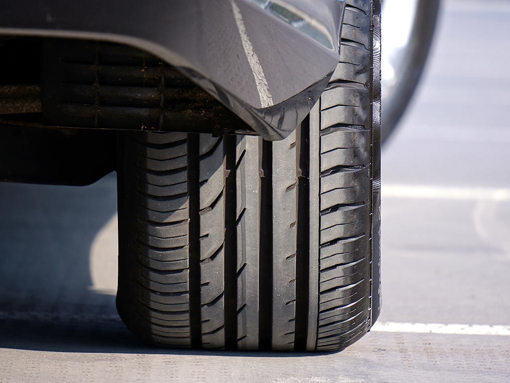 CAR TYRES costing